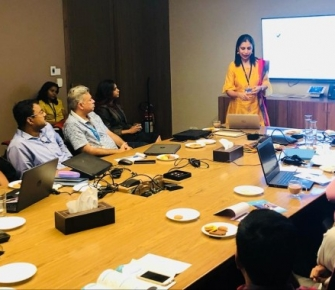 Dr. Aparna Govil Bhasker conducted a very important session with the under-writers of the insurance company - Reliance Health (2)